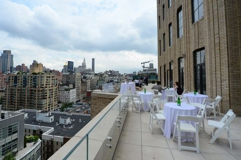 525053-la-terrasse-d-un-appartement-a-new-york-de-la-walker-tower-le-3-juin-2013